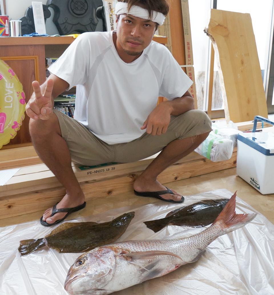約70センチ・6kgのビッグ真鯛とヒラメ